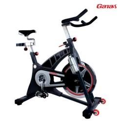 酷炫高端健身房动感单车