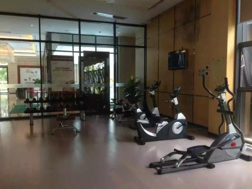 智能直立式健身车