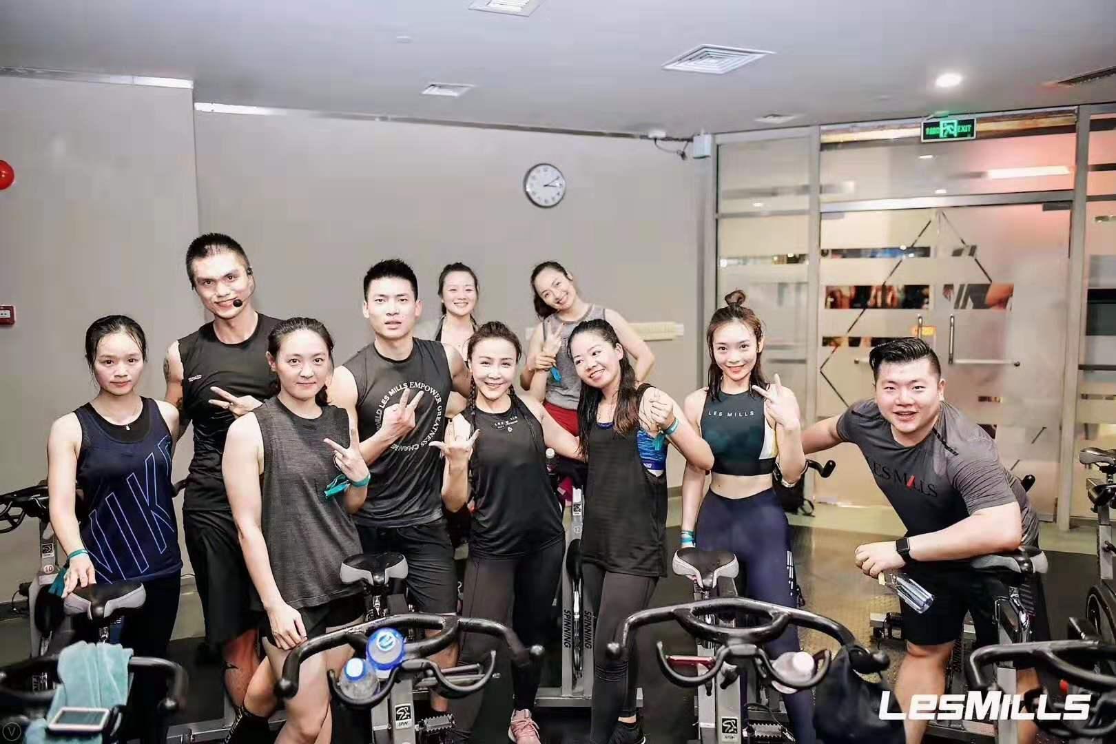 康宜健身器材厂家爆款动感单车震撼来袭!
